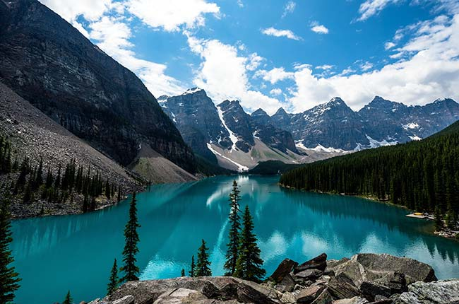 Moraine-lake-featured